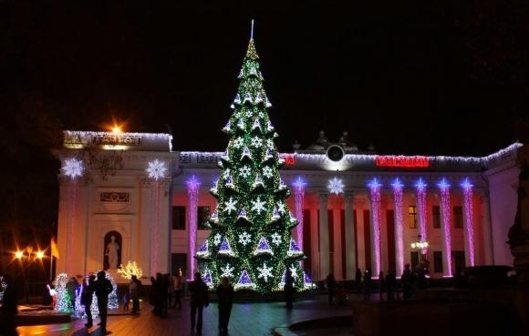 Новогодние ёлки в городах Украины 573