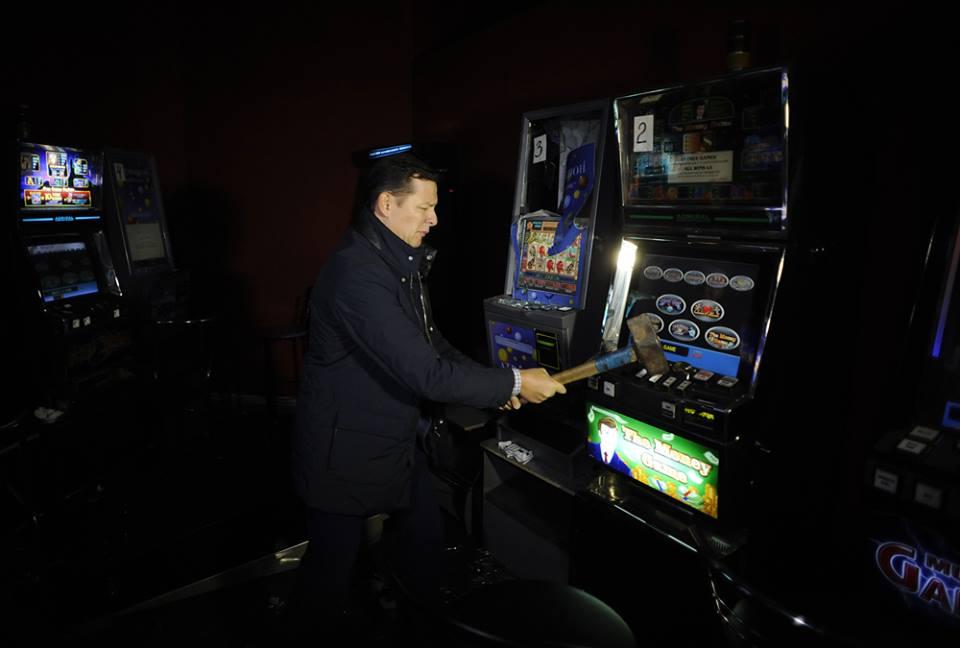 Ляшко разгромил игровые автоматы харьков казино мисто