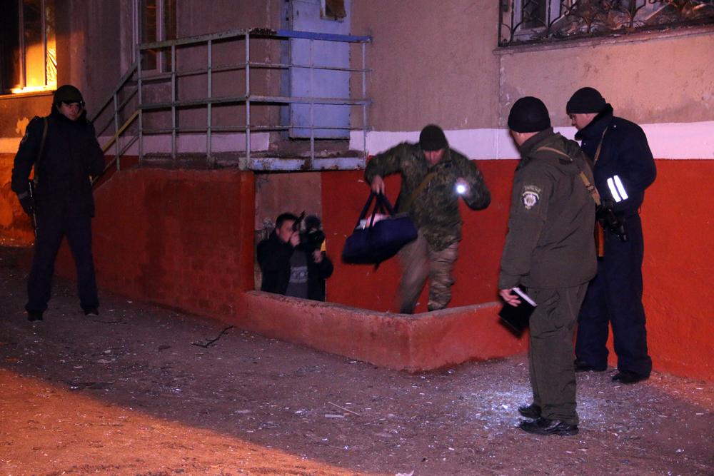 В Маріуполі правоохоронці знайшли у підвалі жінку з немовлям - МВС