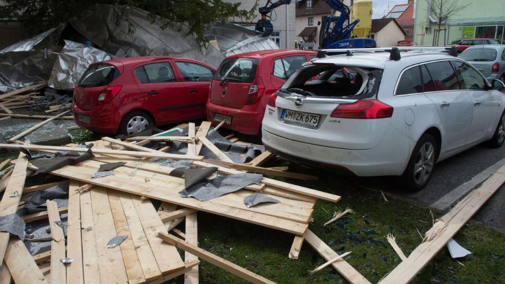 """Дев'ять людей загинули через ураган """"Ніклас"""" в Європі"""