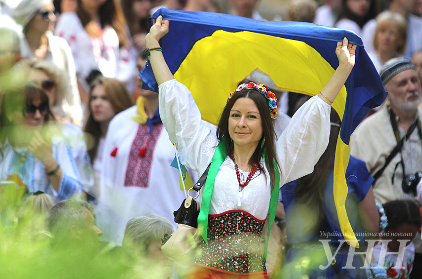 ... У Києві відбувся Мегамарш у вишиванках - фото 19 ... 902a624823bc9