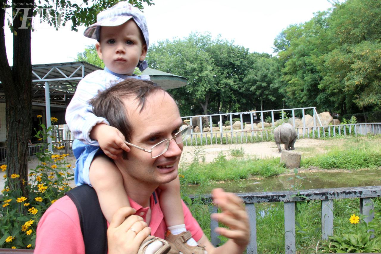У Київському зоопарку привітали носорога-довгожителя із днем народження - фото 14