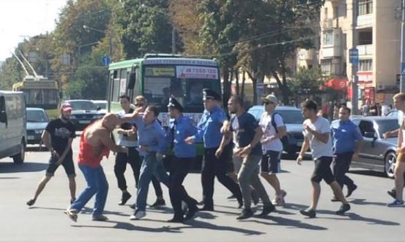 """Про """"диких"""" москалей и """"культурных"""" украинцев."""