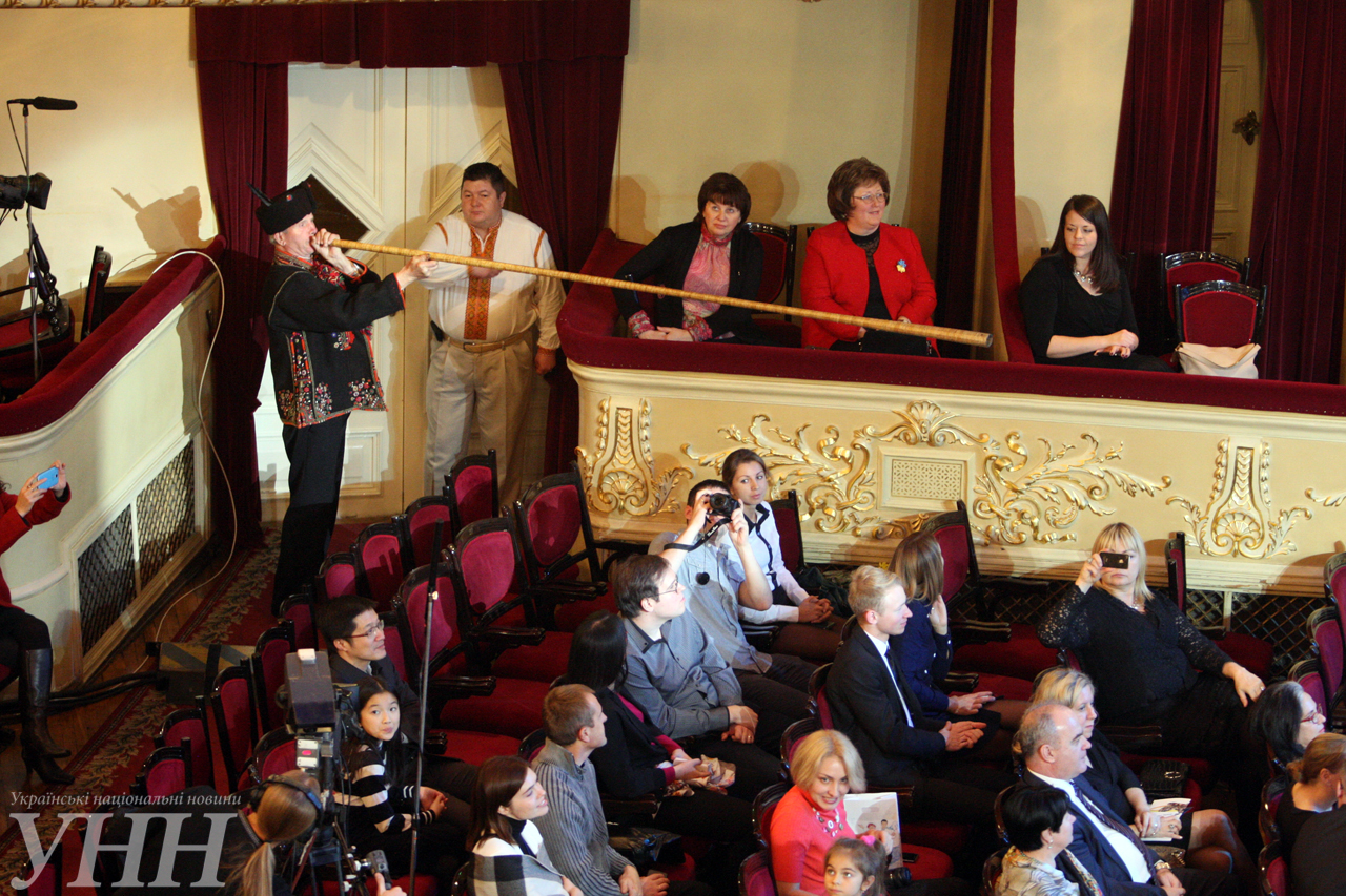Украина отметила юбилей ООН праздничным концертом - фото 11