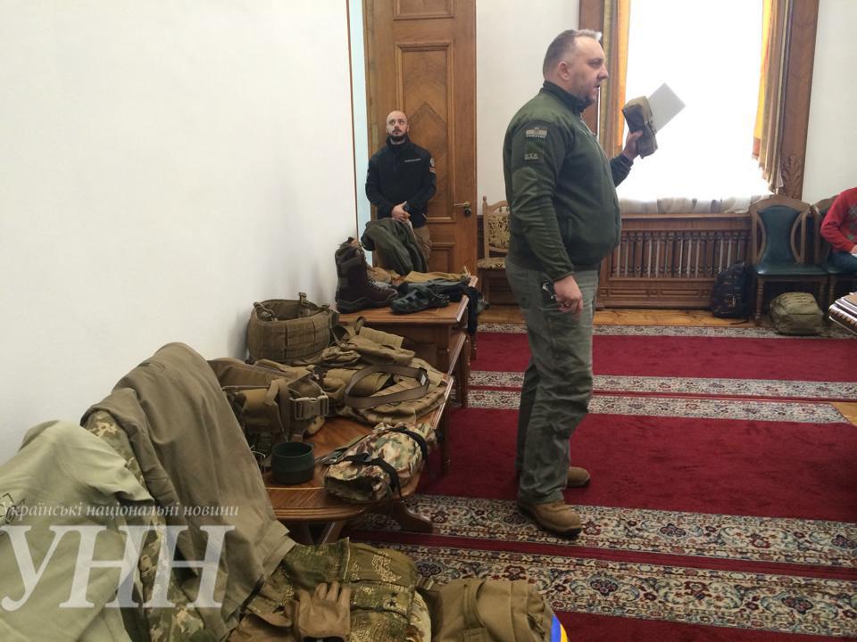 Новую зимнюю одежду для украинских военных испытают в зоне АТО до конца марта - С.Полторак - фото 2