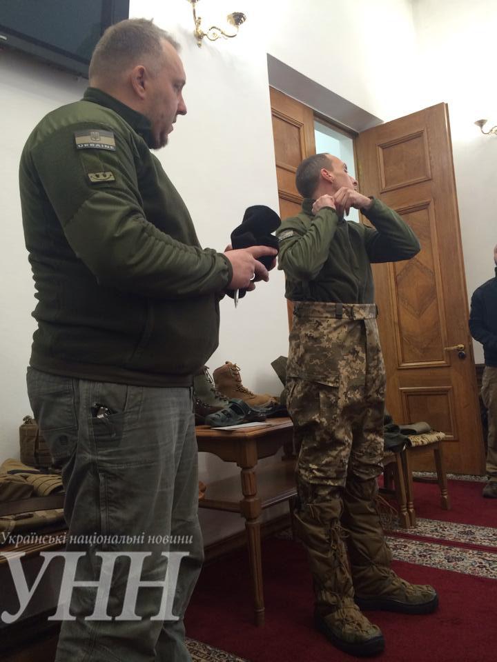 Новую зимнюю одежду для украинских военных испытают в зоне АТО до конца марта - С.Полторак - фото 3