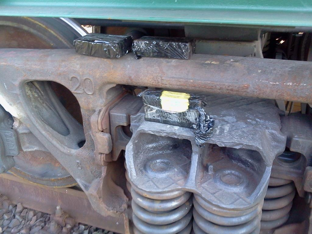 Фото скрытое фото в поездах пляжных кабинках порно