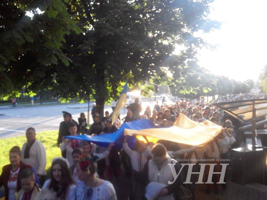 ... Святкова хода до Дня вишиванки розпочалася у Запоріжжі - фото 3 ... 536843c8ed2a4