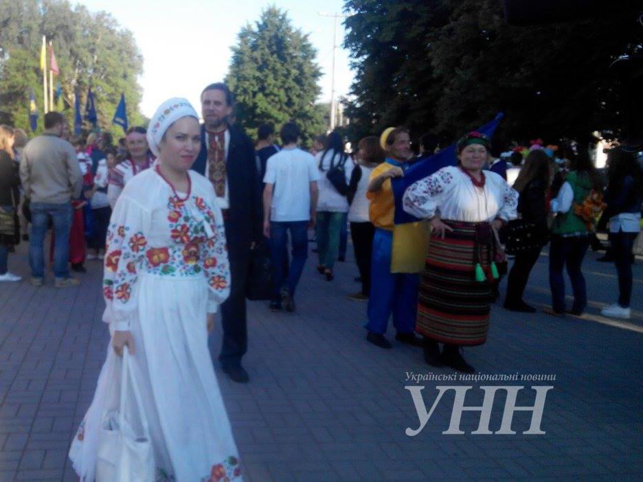 ... Святкова хода до Дня вишиванки розпочалася у Запоріжжі - фото 6 ... c6889e49745be