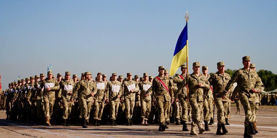 ВКрым прибыли военные изРФ