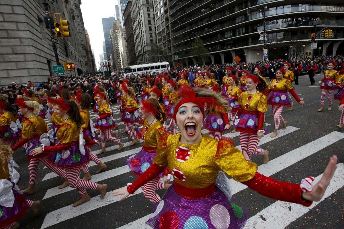 ВНью-Йорке начался парад большущих надувных игрушек