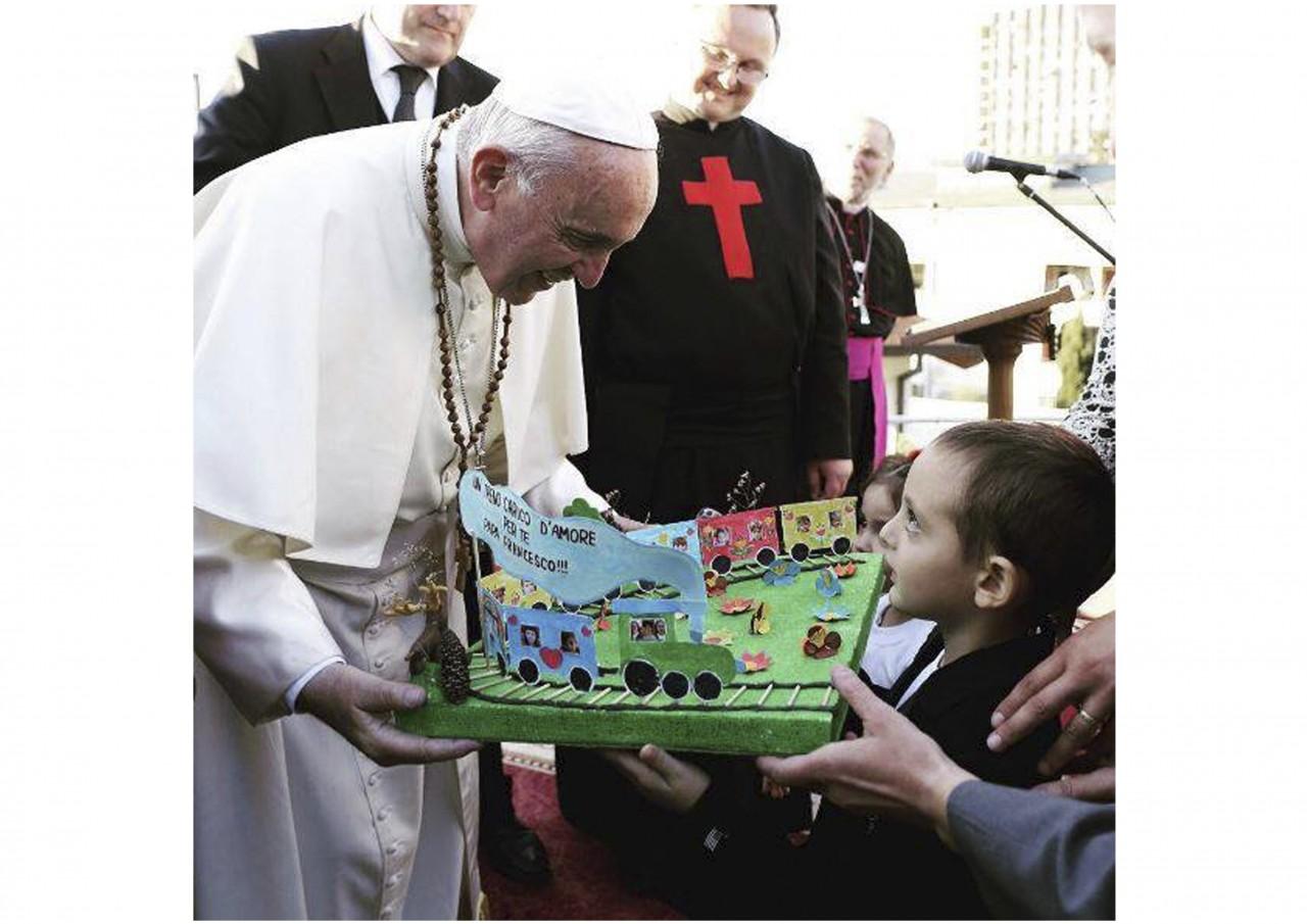 Сегодня Папе Римскому Франциску исполняется 80 лет - фото 16