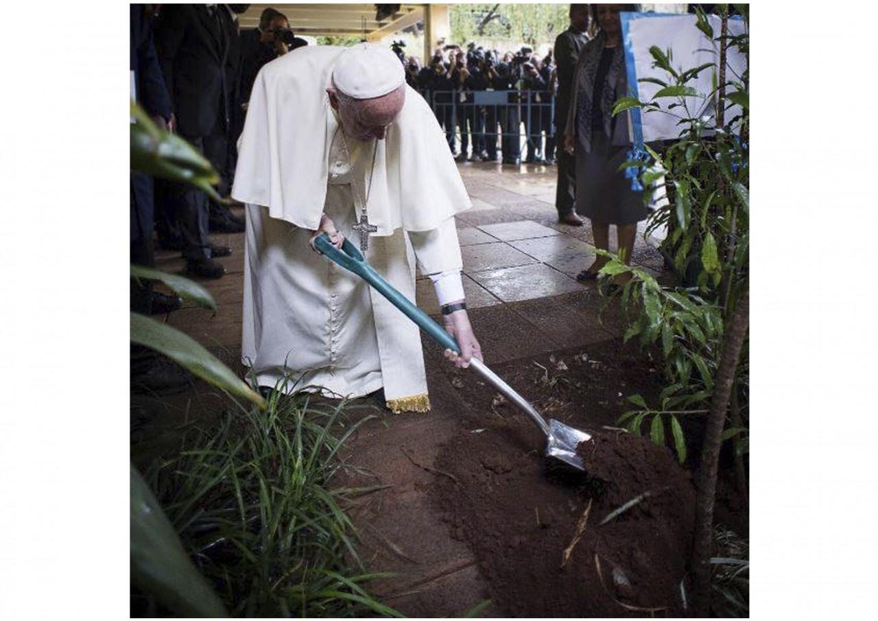 Сегодня Папе Римскому Франциску исполняется 80 лет - фото 12