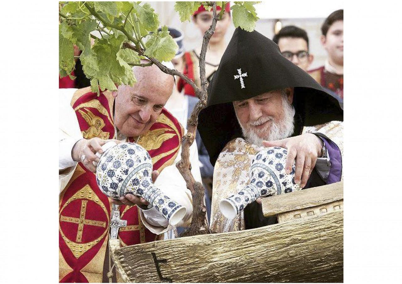 Сегодня Папе Римскому Франциску исполняется 80 лет - фото 23