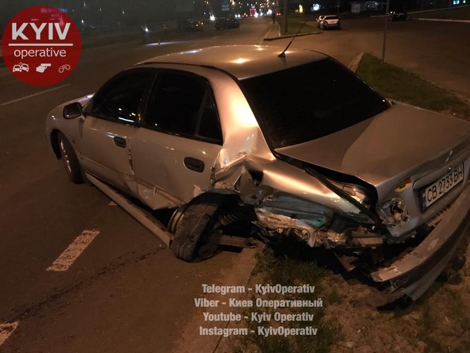 Масштабна аварія вКиєві: зіштовхнулося п'ять автомобілів, троє постраждалих