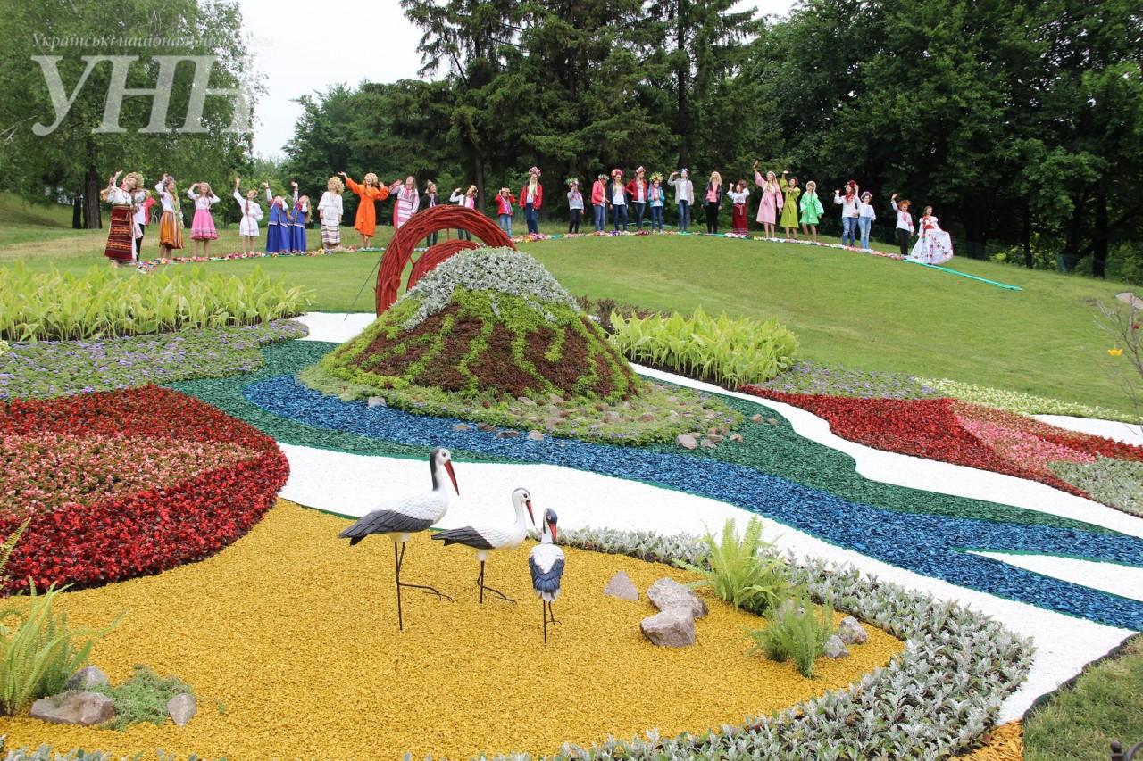УКиєві відтворили дух Японії з250 тисяч квітів