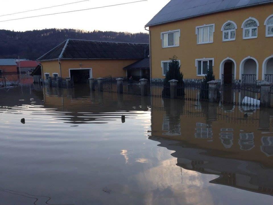 УМукачевому 12 тисяч жителів залишилися без водопостачання
