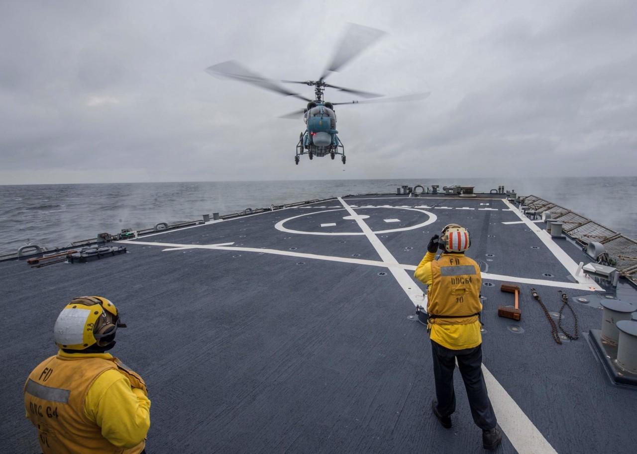 ВМС Украины и эсминец США провели совместные учения - фото 1