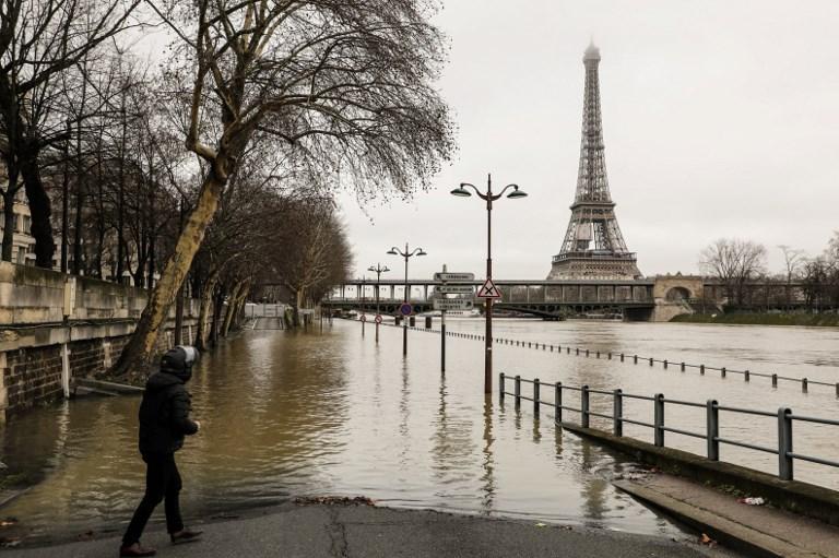Повінь уПарижі: рівень води в річці Сені перевищив 4м