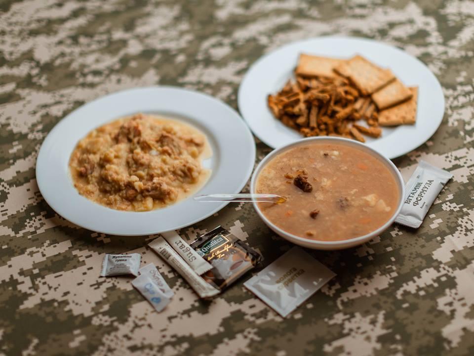 Шоколад, фрукти, кава: бійців ВСУ годуватимуть застандартами НАТО