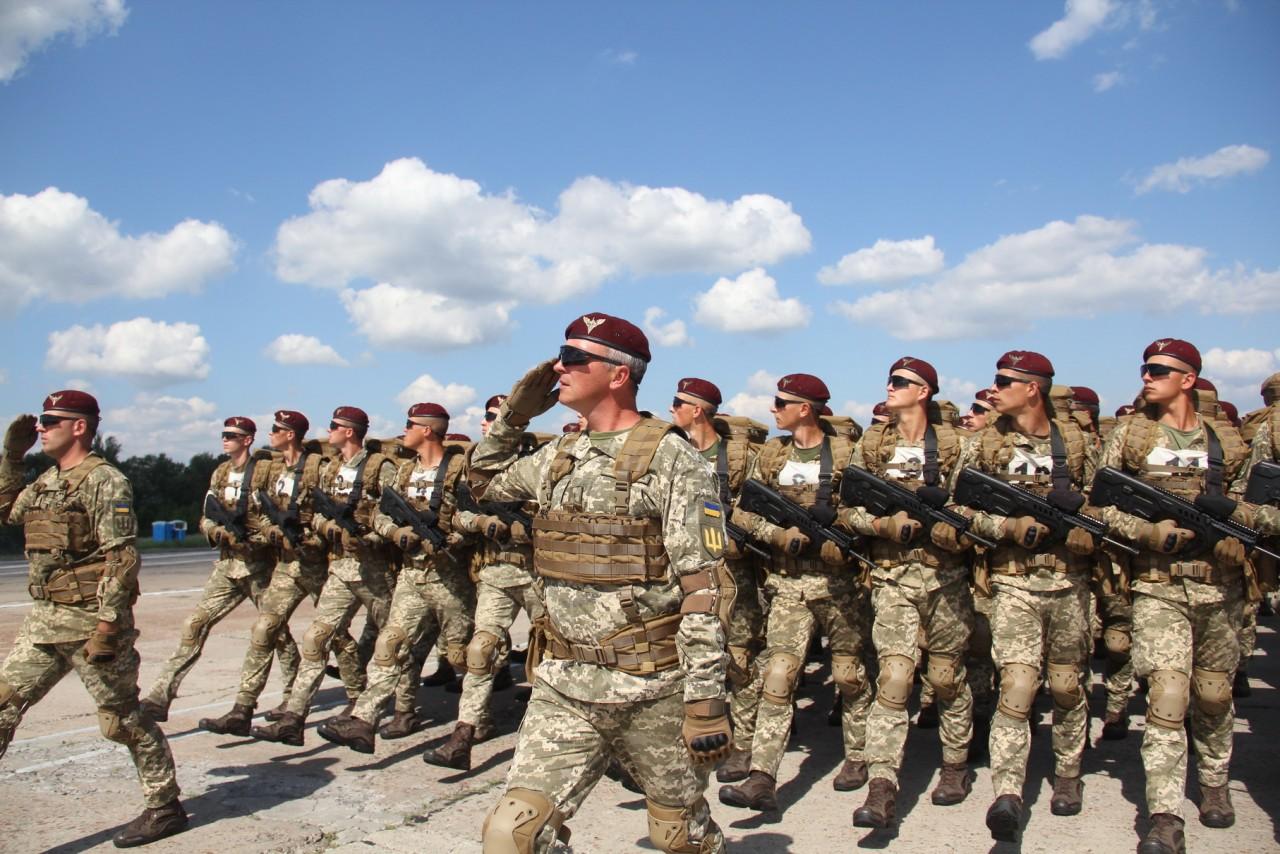 Женщины-военные впервые пойдут на параде ко Дню независимости - фото 4