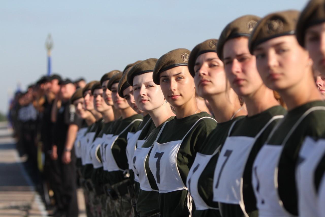 Женщины-военные впервые пойдут на параде ко Дню независимости - фото 16