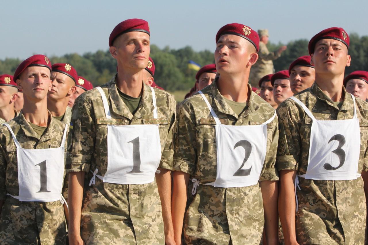 Женщины-военные впервые пойдут на параде ко Дню независимости - фото 14