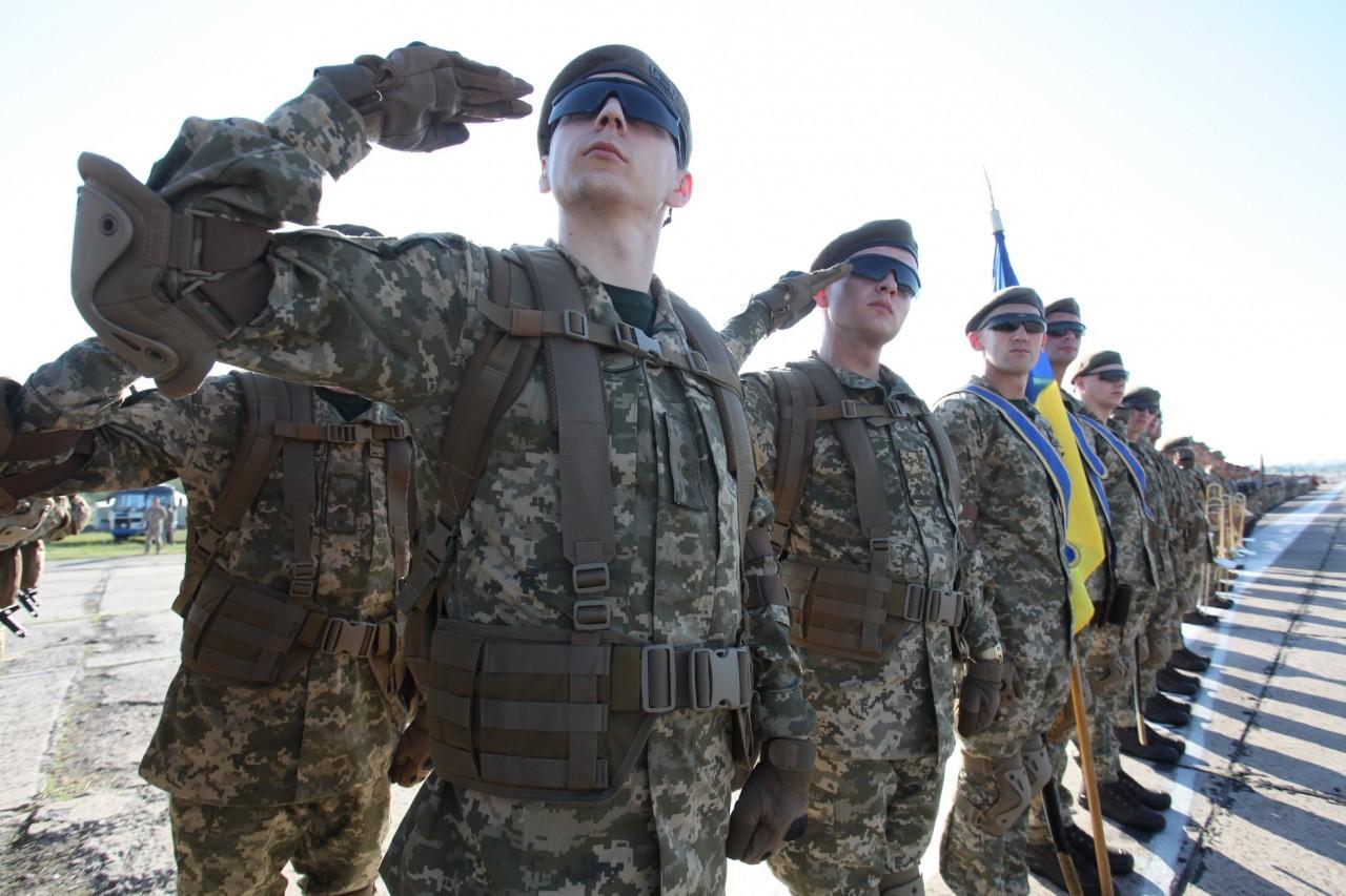 Женщины-военные впервые пойдут на параде ко Дню независимости - фото 19