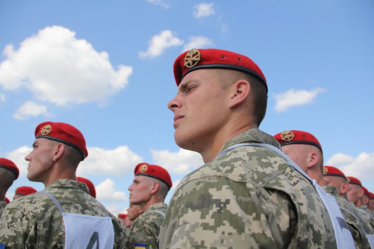 Женщины-военные впервые пойдут на параде ко Дню независимости - фото 6