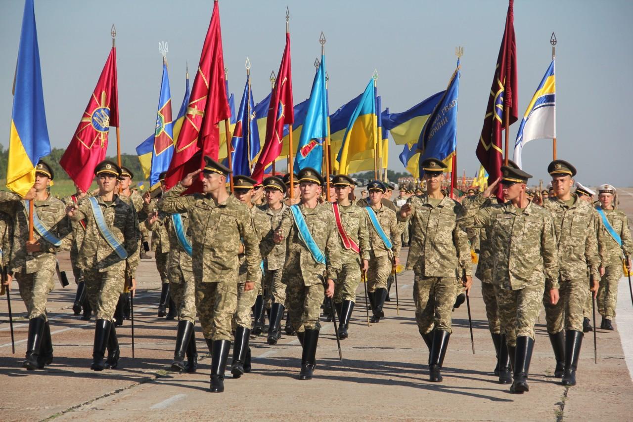 Женщины-военные впервые пойдут на параде ко Дню независимости - фото 11
