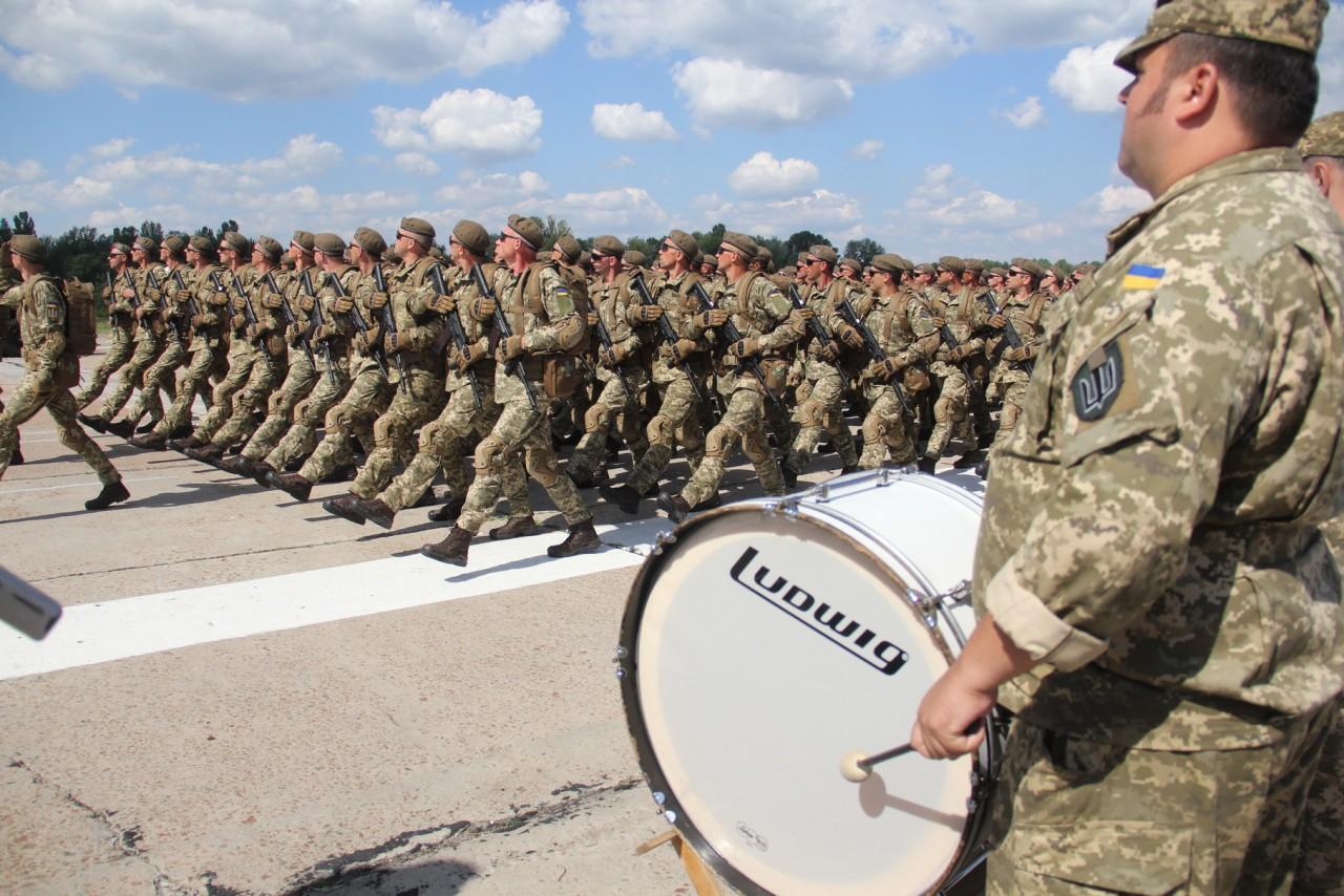 Женщины-военные впервые пойдут на параде ко Дню независимости - фото 3