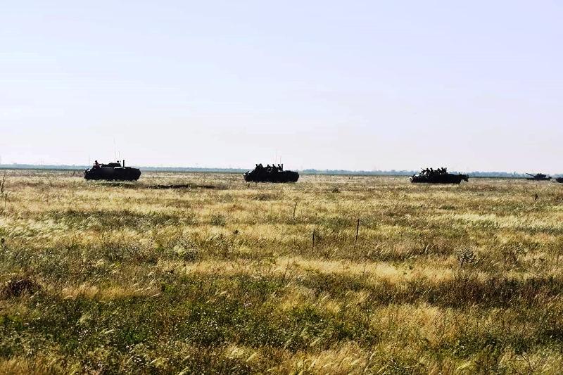 В Херсонской области украинские десантники проводят учения - фото 1