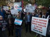 Американцы вышли на протесты после увольнения Трампом генпрокурора - фото 3