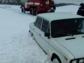 Под Одессой в снежном плену застрял десяток машин - фото 2