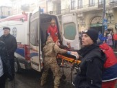 На Рождественской ярмарке в центре Львова произошел взрыв - фото 4