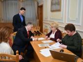 Порошенко подал документы в ЦИК - фото 3