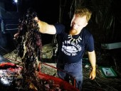 В желудке умершего кита нашли 40 кг пластика - фото 3