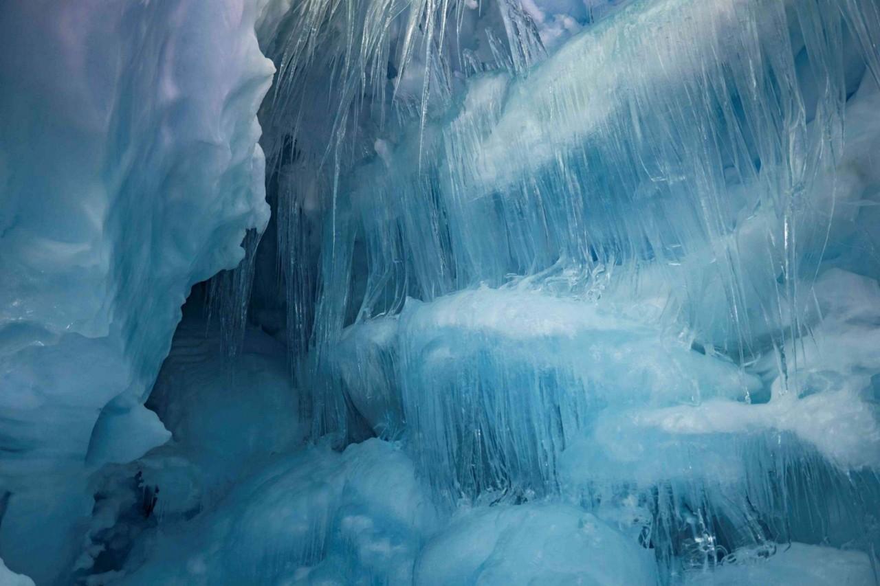 """Українські полярники віднайшли в Антарктиді """"загублену"""" триповерхову печеру - фото 6"""