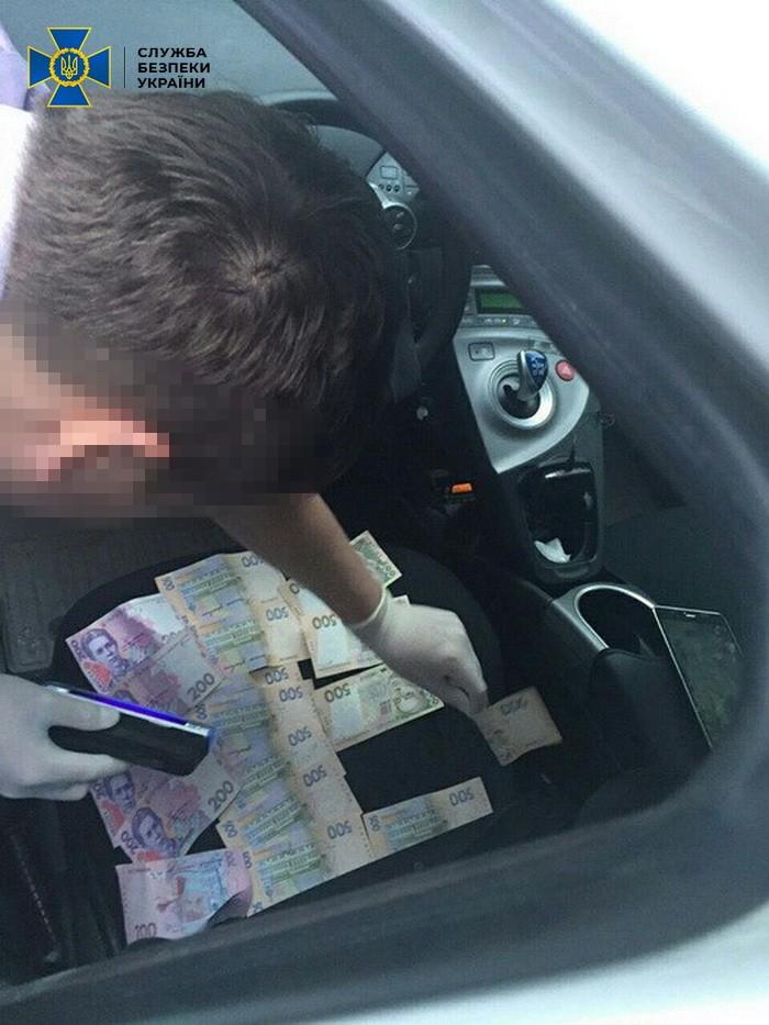 Результат пошуку зображень за запитом На Чернігівщині поліцейських-хабарників засудили до 5 років за ґратами