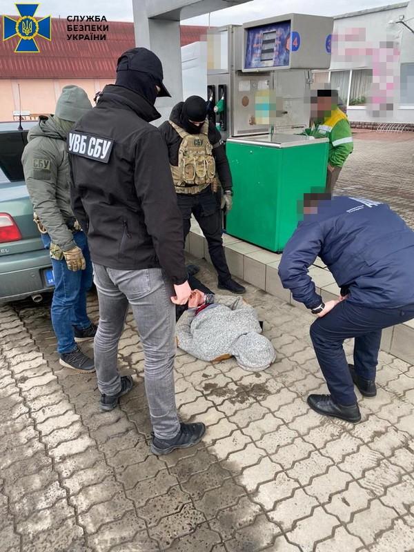 Результат пошуку зображень за запитом Мукачівських прикордонників викрили в отримані хабарів за переміщення сигарет до Євросоюзу