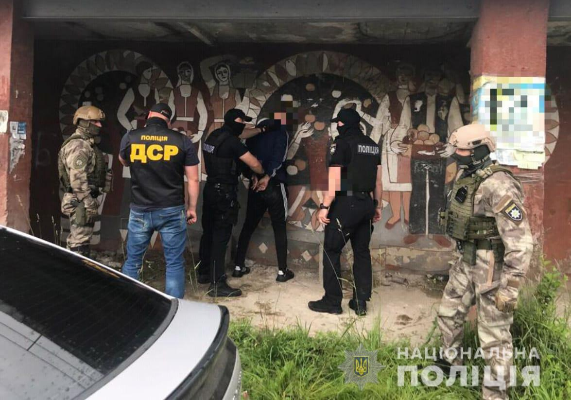 На Закарпатье за вымогательство задержали двух мужчин