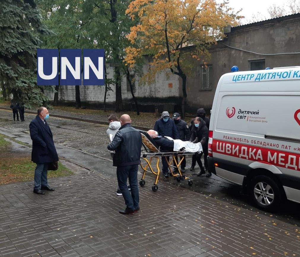 Смертельное ДТП на Майдане: подозреваемого доставили в суд на скорой