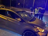 Не смог убежать от полиции: в Киеве водитель выстрелил себе в голову из пистолета - фото 1