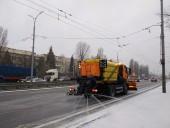 Киев засыпало снегом: коммунальщики усиленно убирают улицы - фото 5
