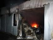 Крупный пожар произошел на СТО в Днепре: огнем уничтожено 4 автомобиля - фото 5