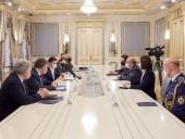 Глава Военного комитета НАТО встретился с Зеленским: говорили об обострении на Донбассе и потерях - фото 1
