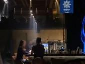 Нарушали карантин: в Киеве патрульные закрыли ресторан - фото 2