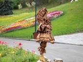 Над композицией работали более 15 дизайнеров: на Певческом открыли выставку с более 700 тысяч тюльпанов - фото 21
