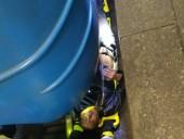 Метро Киева возобновило работу после попытки суицида пассажира - фото 1