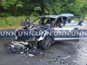 В Киеве вспыхнул автомобиль, когда его тестировали водитель и механик СТО - фото 3